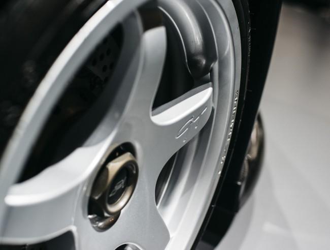 McLaren F1 GT wheel