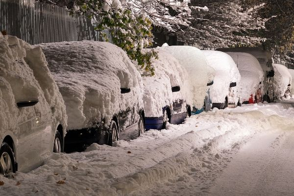 Best Tips to Remove Snow from Your Car: A How to Do Guide to Avoid Problems with It
