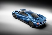 Ford GT at 2015 Detroit Auto Show The carbon-fiber Ford GT supercar will be equipped with a twin-turbocharged 3.5-liter EcoBoost V-6.