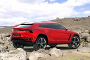 Lamborghini Urus: Lambo SUV bockt auf! (2018)