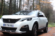 2017 Peugeot 3008 SUV 1.6 BlueHDi Review - Inside Lane