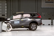2017 Honda CR-V moderate overlap IIHS crash test