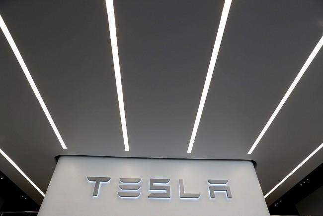 Tesla Motors Stock Overtakes Ford!