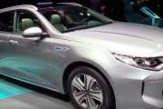2018 KIA Optima Sportwagon Plug In Hybrid - Exterior Interior Walkaround - 2017 Geneva Motor Show