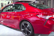2018 Toyota Camry - Exterior and Interior Walkaround - 2017 NY Auto Show