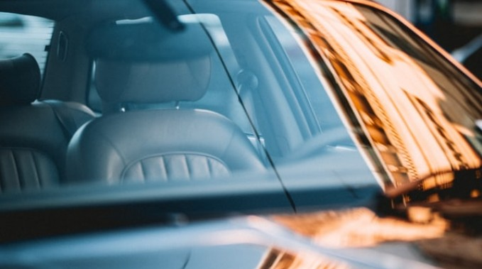 How To Maintain The Quality Of Your Auto Windshield Glass