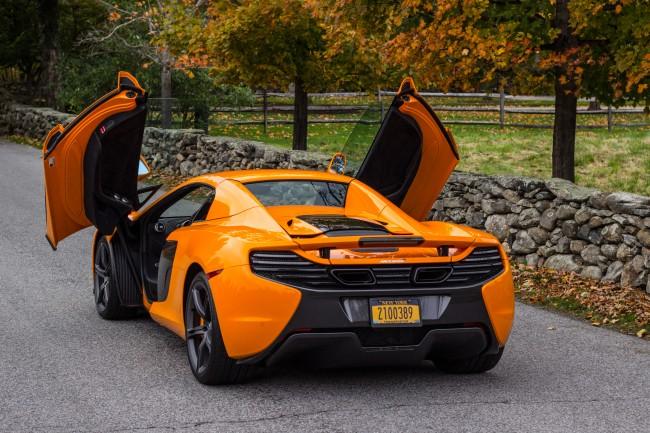 2015 McLaren 650S doors up side