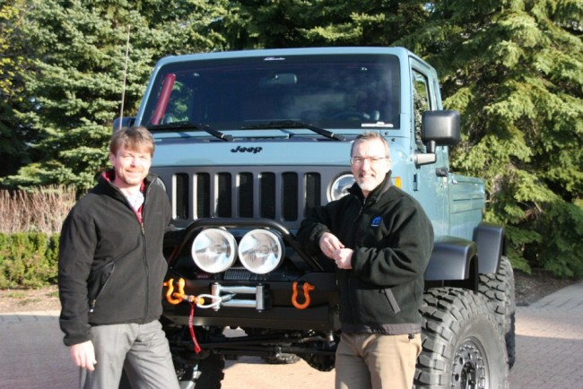Mike Manley and Pietro Gorlier with the Jeep Mighty FC